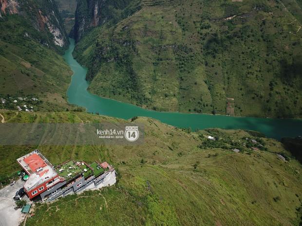 GĐ Sở XD Hà Giang nói về Mã Pì Lèng Panorama: Xây dựng điểm dừng chân cho du khách là cần thiết nhưng kèm theo các phòng nghỉ nhiều dịch vụ thì không nên - Ảnh 1.
