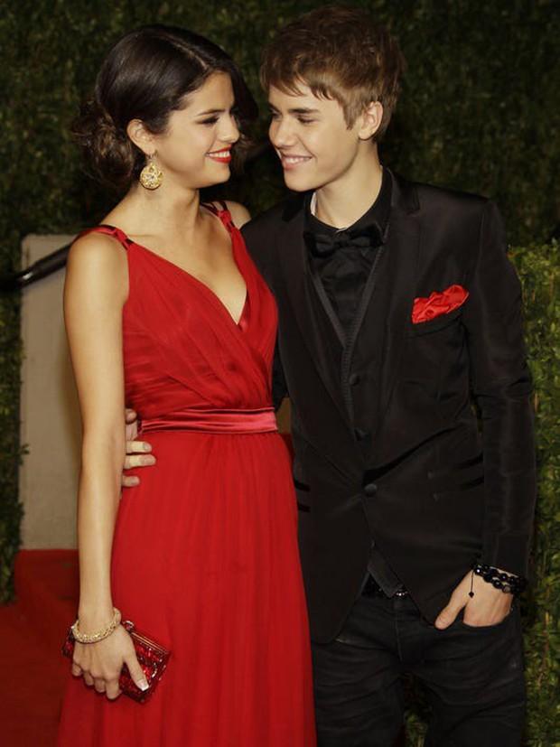 Những lần Justin Bieber mang chuyện tình của mình vào âm nhạc: Hát về Selena chưa bao giờ là đủ, khẳng định trọn đời bên Hailey Baldwin - Ảnh 7.