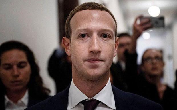 Mark Zuckerberg: Nếu không kiểm soát hoàn toàn Facebook, tôi đã bị sa thải từ lâu - Ảnh 1.