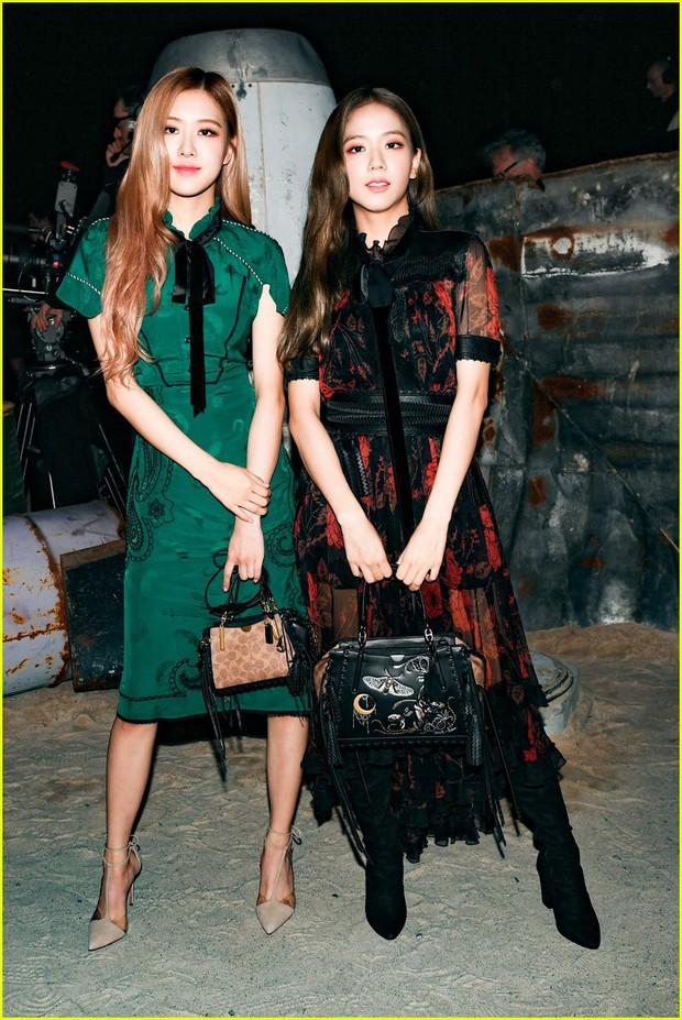Khi sao châu Á và sao Hollywood đọ sắc trong cùng một khung hình: Jennie (BLACKPINK) có phần lép vế trước Rihanna và Cardi B, Dương Mịch đẹp đẳng cấp bên cạnh Kendall Jenner. - Ảnh 8.