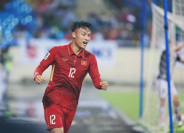 Đọ trình độ Ngoại ngữ của dàn cầu thủ Đội tuyển Việt Nam: Xuân Trường, Công Vinh chém Tiếng Anh xuất sắc nhưng vẫn chưa bằng nhân vật này - Ảnh 12.