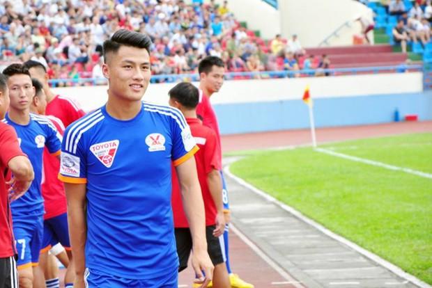 Đọ trình độ Ngoại ngữ của dàn cầu thủ Đội tuyển Việt Nam: Xuân Trường, Công Vinh chém Tiếng Anh xuất sắc nhưng vẫn chưa bằng nhân vật này - Ảnh 11.