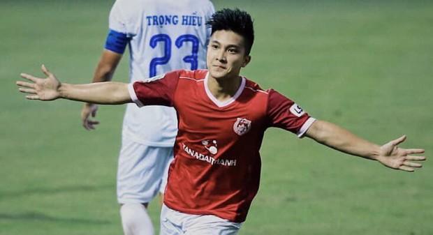 Đọ trình độ Ngoại ngữ của dàn cầu thủ Đội tuyển Việt Nam: Xuân Trường, Công Vinh chém Tiếng Anh xuất sắc nhưng vẫn chưa bằng nhân vật này - Ảnh 9.