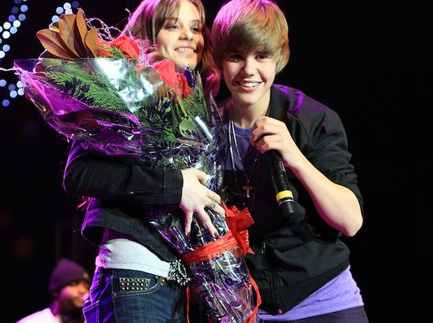 Những lần Justin Bieber mang chuyện tình của mình vào âm nhạc: Hát về Selena chưa bao giờ là đủ, khẳng định trọn đời bên Hailey Baldwin - Ảnh 3.
