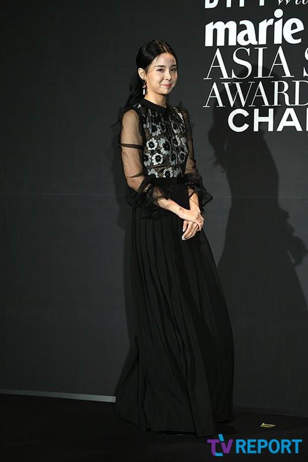 Thảm đen LHP Busan ngày 3: Yoona không còn thần thánh vì đôi chân, tân Hoa hậu Hàn Quốc nhan sắc gây tranh cãi - Ảnh 7.