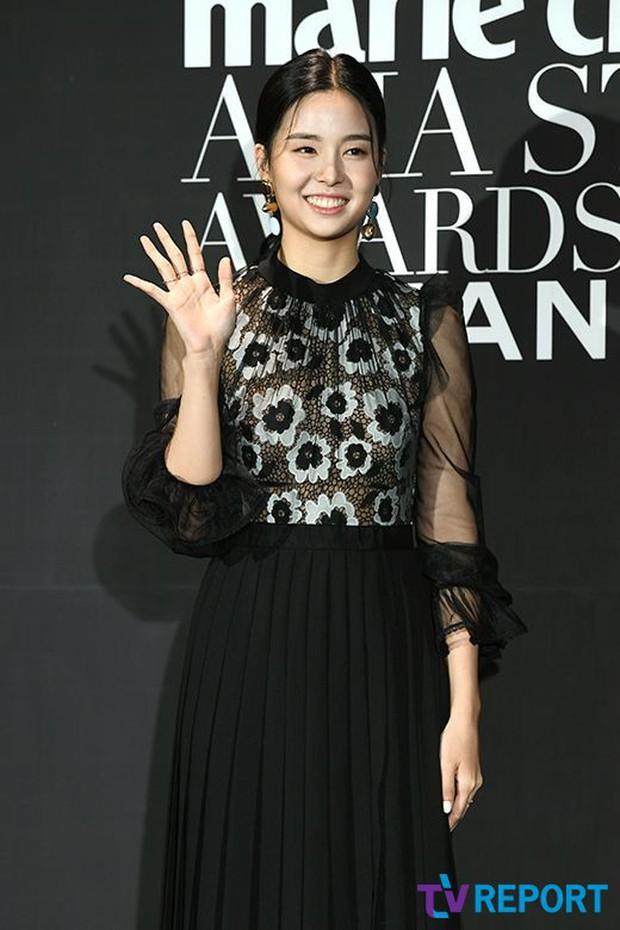 Thảm đen LHP Busan ngày 3: Yoona không còn thần thánh vì đôi chân, tân Hoa hậu Hàn Quốc nhan sắc gây tranh cãi - Ảnh 8.