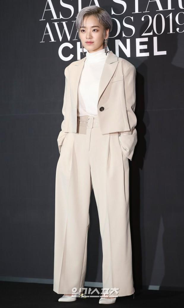Thảm đen LHP Busan ngày 3: Yoona không còn thần thánh vì đôi chân, tân Hoa hậu Hàn Quốc nhan sắc gây tranh cãi - Ảnh 17.