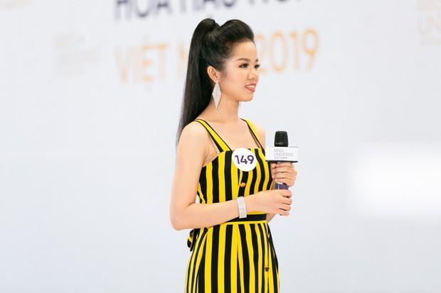 Chết cười khi nghe thí sinh Hoa hậu Hoàn vũ trả lời phỏng vấn lạc đề 30 cây số! - Ảnh 2.