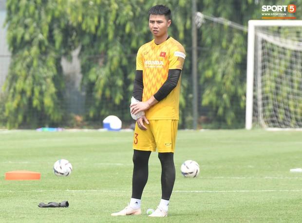 Đối thủ cạnh tranh của Đức Chinh tại U22 Việt Nam chấn thương trước thềm trận đấu với U22 UAE - Ảnh 2.