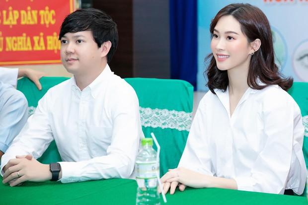 Không cầu kì, xa hoa, vợ chồng Đặng Thu Thảo ghi điểm với việc làm cực ý nghĩa nhân kỷ niệm 2 năm cưới - Ảnh 1.