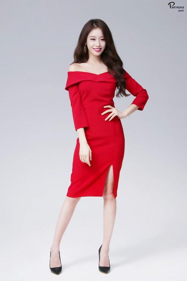 Tá hỏa 5 pha tụt cân của sao Hàn: Phó chủ tịch Park Seo Joon hốc hác, đôi chân tong teo Hyuna nhìn còn xót xa hơn - Ảnh 12.