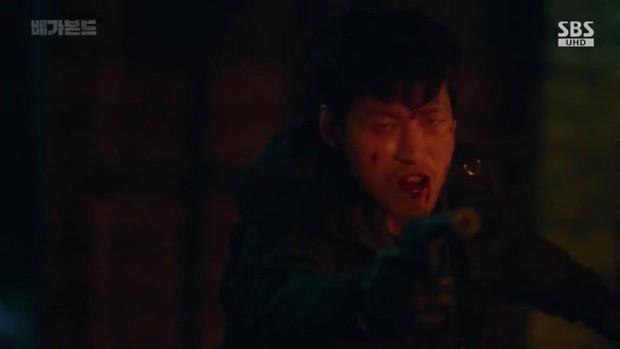 Vagabond tập 6: Suzy say rượu tranh thủ đè trai đẹp ra hôn, nạn nhân lần này là Lee Seung Gi! - Ảnh 6.