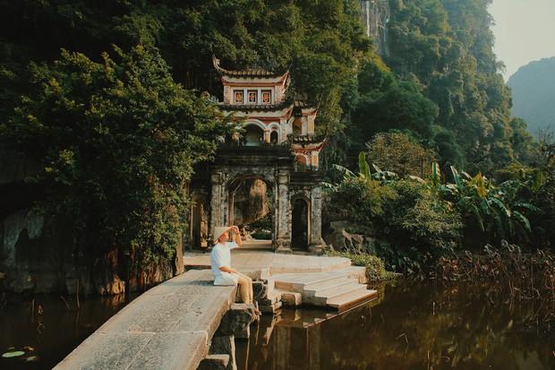 Nhà nhà đều check in với ruộng bậc thang, riêng anh chàng hoàn hảo này lại về kinh đô cũ vào mùa gió lặng, trời trong và cho ra đời bộ ảnh đẹp mãn nhãn - Ảnh 6.