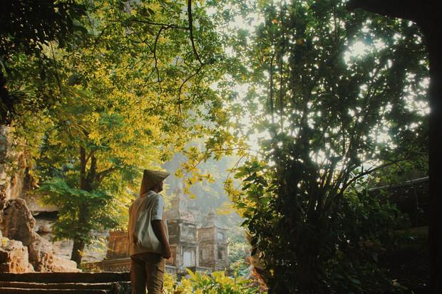 Nhà nhà đều check in với ruộng bậc thang, riêng anh chàng hoàn hảo này lại về kinh đô cũ vào mùa gió lặng, trời trong và cho ra đời bộ ảnh đẹp mãn nhãn - Ảnh 7.