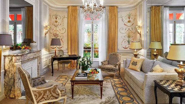 Choáng váng: 110 triệu/đêm đã là gì, khách sạn Vũ Khắc Tiệp và Ngọc Trinh thuê ở Paris còn có phòng giá 700 triệu/đêm! - Ảnh 15.