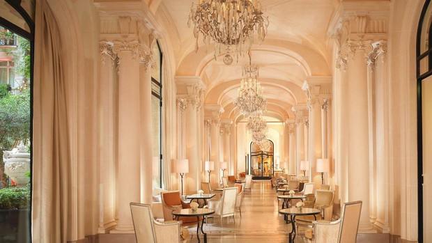 Choáng váng: 110 triệu/đêm đã là gì, khách sạn Vũ Khắc Tiệp và Ngọc Trinh thuê ở Paris còn có phòng giá 700 triệu/đêm! - Ảnh 13.