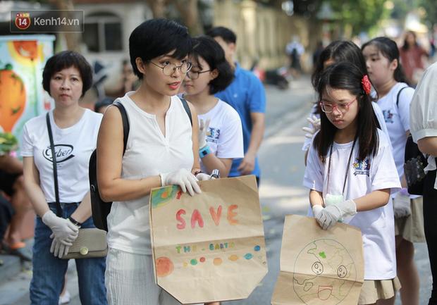 Học sinh Marie Curie tổ chức ngày hội triễn lãm tranh kêu gọi cộng đồng bảo vệ môi trường - Ảnh 7.
