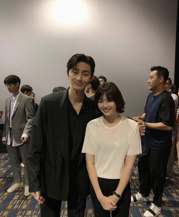 Tá hỏa 5 pha tụt cân của sao Hàn: Phó chủ tịch Park Seo Joon hốc hác, đôi chân tong teo Hyuna nhìn còn xót xa hơn - Ảnh 3.