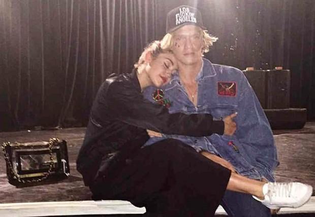 Sau bao xì xào dị nghị, Miley Cyrus cuối cùng cũng chịu lên tiếng về Liam và tin đồn hẹn hò tình cũ Gigi Hadid - Ảnh 2.