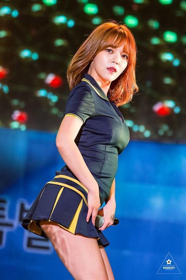 Tá hỏa 5 pha tụt cân của sao Hàn: Phó chủ tịch Park Seo Joon hốc hác, đôi chân tong teo Hyuna nhìn còn xót xa hơn - Ảnh 22.