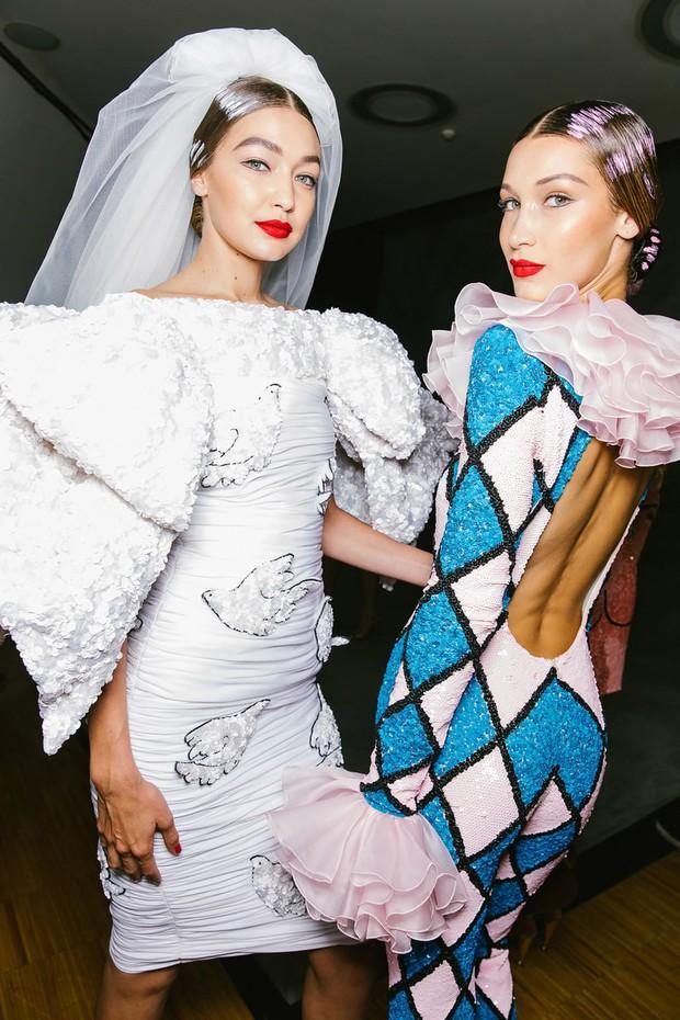 15 khoảnh khắc backstage tuyệt đẹp của chuỗi Tuần lễ thời trang Xuân/Hè 2020 - Ảnh 8.