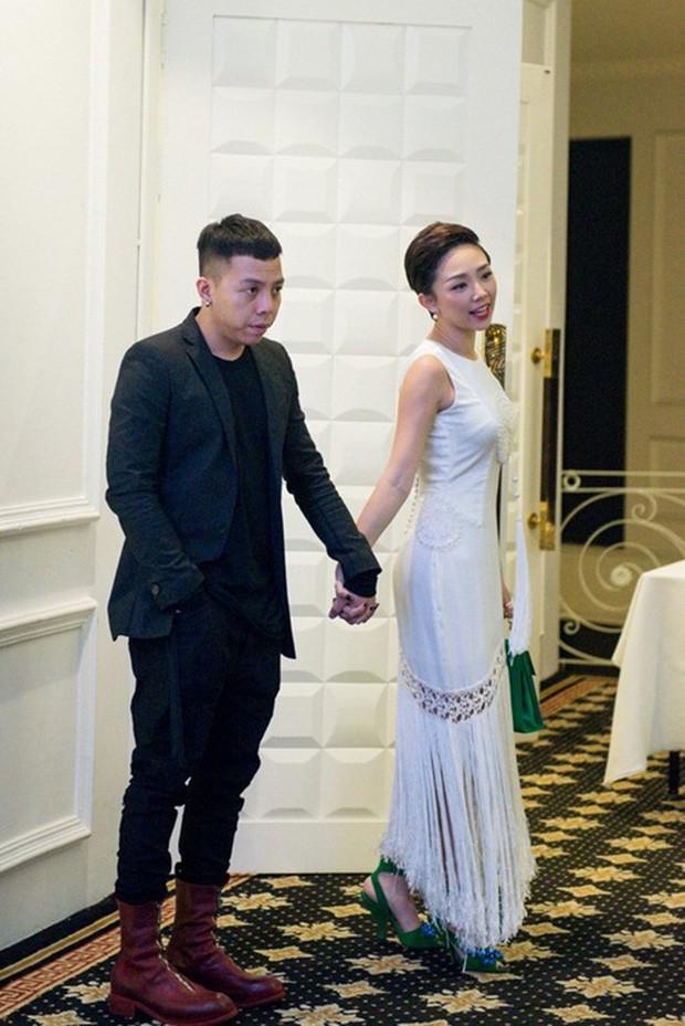 Công khai chuyện hẹn hò, Tóc Tiên và Hoàng Touliver lần đầu lộ diện bên nhau nhưng sao lại tránh chụp ảnh chung? - Ảnh 2.