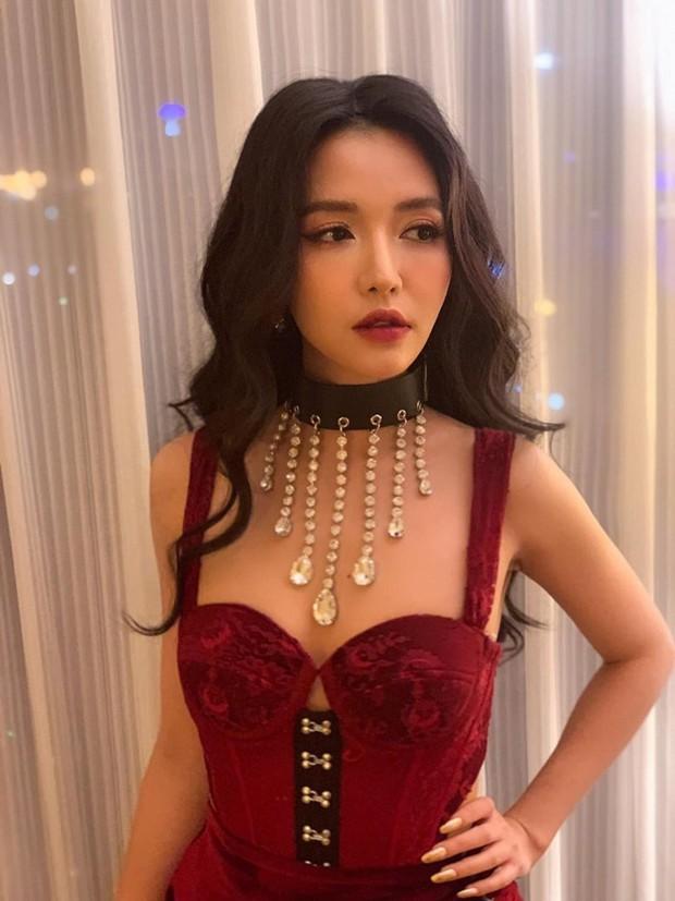 Lâu lâu Bích Phương mới để tóc dài, nhưng dân tình lại thấy như chị em song sinh với Hòa Minzy - Ảnh 2.