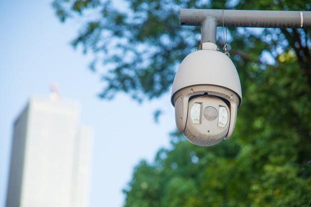 Vì sao người dân Trùng Khánh vẫn vui vẻ dù camera theo dõi tăm tia đầy đường? - Ảnh 3.
