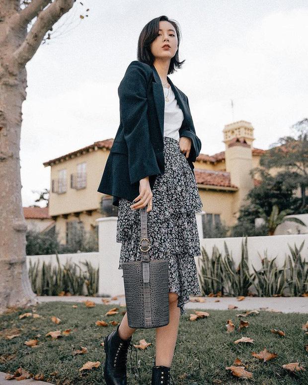 12 ý tưởng diện áo blazer + chân váy mãn nhãn đến nỗi bạn cũng phải xuýt xoa trước diện mạo của chính mình - Ảnh 5.
