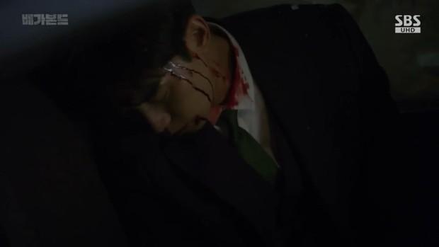 Vagabond tập 6: Suzy say rượu tranh thủ đè trai đẹp ra hôn, nạn nhân lần này là Lee Seung Gi! - Ảnh 12.