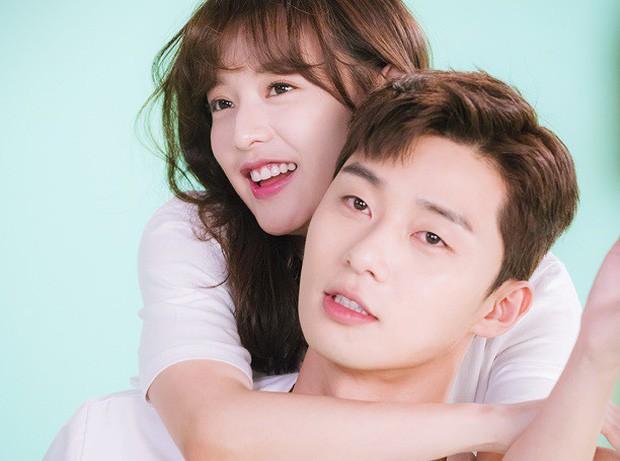 Phó chủ tịch Park Seo Joon thú nhận không dám gần gũi với bạn diễn nữ vì sợ tin đồn phim giả tình thật - Ảnh 2.