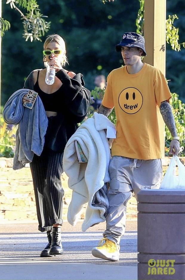 Soi kỹ mới thấy đẳng cấp visual của vợ Justin Bieber đỉnh nhường này: Ra đường là phải lồng lộn, đẹp lấn át cả chồng - Ảnh 3.