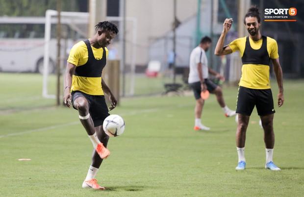 Đội tuyển Malaysia tập trễ hơn kế hoạch vì chờ thầy trò HLV Park Hang-seo - Ảnh 6.