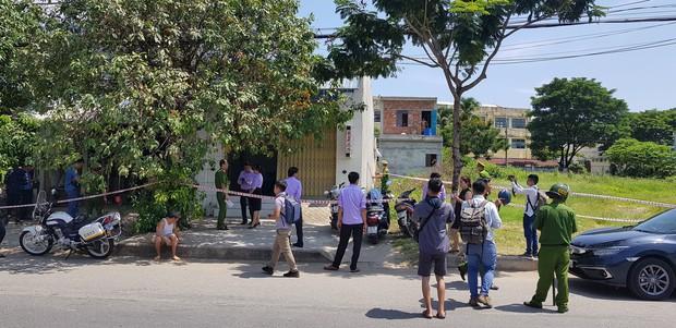 NÓNG: Cướp táo tợn giữa ban ngày ở Đà Nẵng, cụ bà 71 tuổi và cô gái trẻ bị đâm nguy kịch - Ảnh 2.