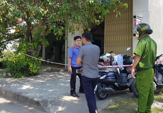 NÓNG: Cướp táo tợn giữa ban ngày ở Đà Nẵng, cụ bà 71 tuổi và cô gái trẻ bị đâm nguy kịch - Ảnh 4.