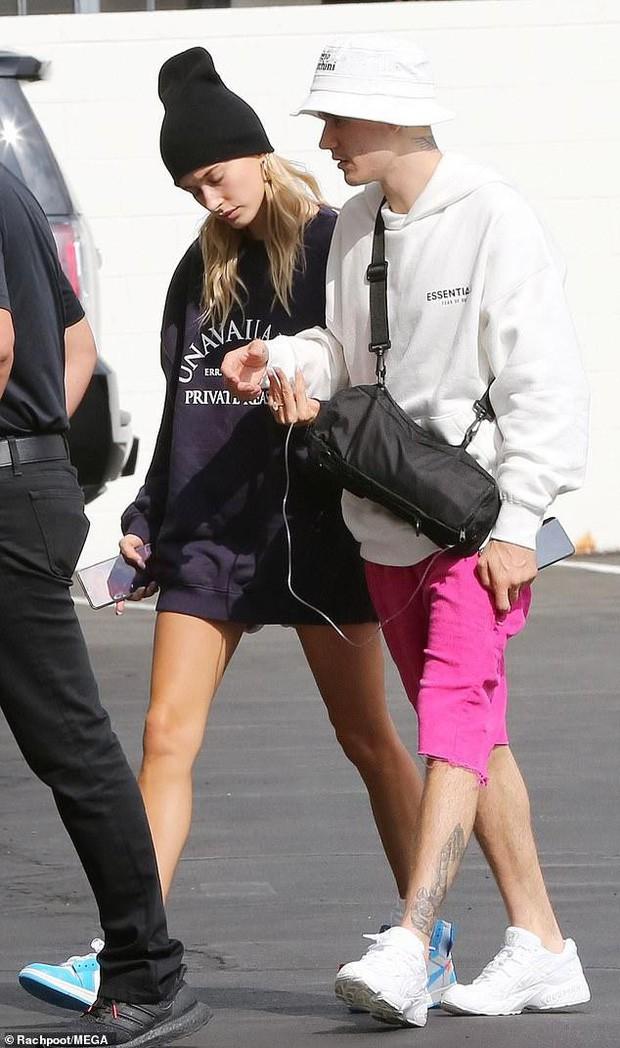 Soi kỹ mới thấy đẳng cấp visual của vợ Justin Bieber đỉnh nhường này: Ra đường là phải lồng lộn, đẹp lấn át cả chồng - Ảnh 7.