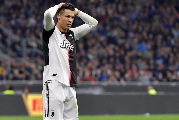Ronaldo kém duyên, Juve thắng hú vía Inter trong trận cầu siêu kinh điển Italy - Ảnh 1.
