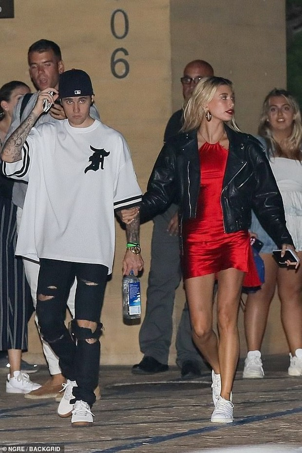 Soi kỹ mới thấy đẳng cấp visual của vợ Justin Bieber đỉnh nhường này: Ra đường là phải lồng lộn, đẹp lấn át cả chồng - Ảnh 9.