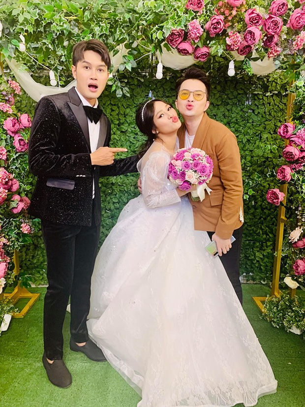 Đại Nghĩa, Khả Như và dàn sao làng hài đình đám tề tựu đông đủ mừng đám cưới của nữ đồng nghiệp thân thiết - Ảnh 4.