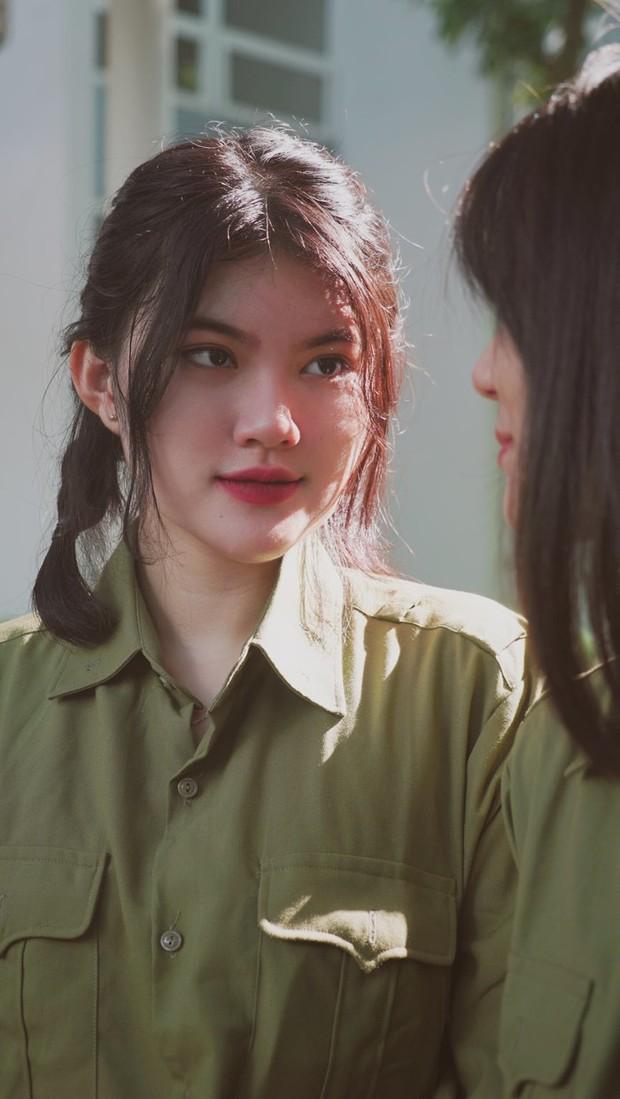 Khi sức mạnh của gái xinh là không thể chống đỡ: Fanboy đòi chuyển tới ngôi trường cấp 3 có hàng loạt cực phẩm nữ thần quân sự - Ảnh 2.