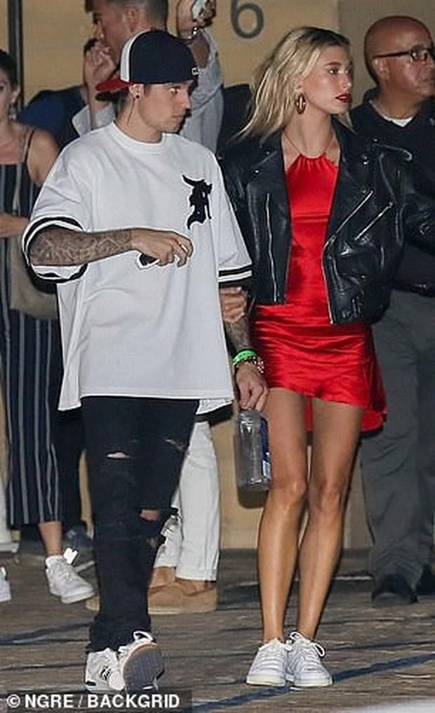 Soi kỹ mới thấy đẳng cấp visual của vợ Justin Bieber đỉnh nhường này: Ra đường là phải lồng lộn, đẹp lấn át cả chồng - Ảnh 8.