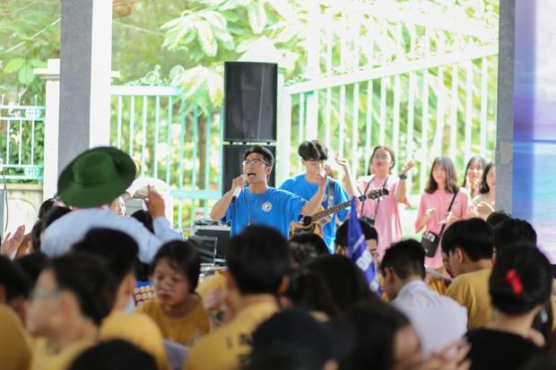 Tiết học văn độc đáo của học sinh 2 trường THPT ở Hà Nội, tìm về nguồn cội để hiểu hơn về tác giả tác phẩm - Ảnh 2.