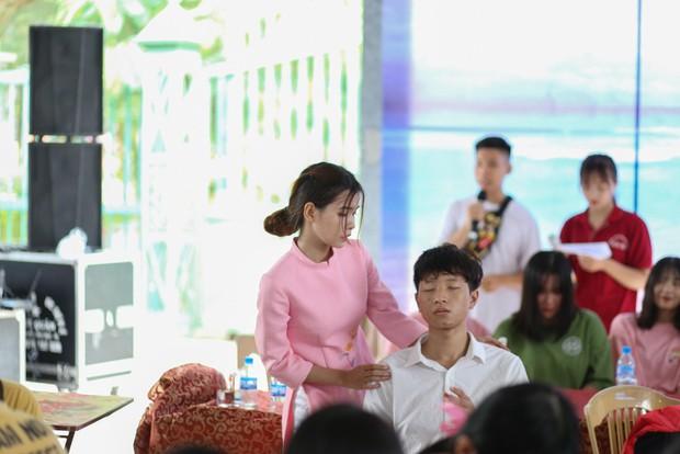 Tiết học văn độc đáo của học sinh 2 trường THPT ở Hà Nội, tìm về nguồn cội để hiểu hơn về tác giả tác phẩm - Ảnh 3.