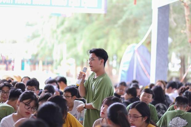 Tiết học văn độc đáo của học sinh 2 trường THPT ở Hà Nội, tìm về nguồn cội để hiểu hơn về tác giả tác phẩm - Ảnh 6.
