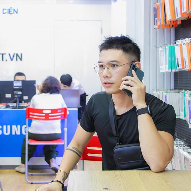 Hàng chục nghệ sỹ Việt đua nhau rinh iPhone 11, táo khuyết tại Việt Nam chưa bao giờ hết hot! - Ảnh 19.