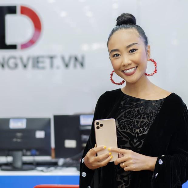 Hàng chục nghệ sỹ Việt đua nhau rinh iPhone 11, táo khuyết tại Việt Nam chưa bao giờ hết hot! - Ảnh 18.