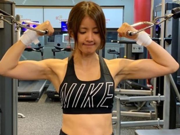 5 sao nữ Kbiz có body cơ bắp khủng: Cute đối lập, kéo đến mỹ nhân Vườn sao băng mới thấy Lisa (BLACKPINK) chưa là gì - Ảnh 14.