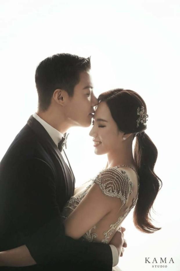 "Ca sĩ Kangnam tung bộ ảnh cưới hậu giảm cân ""gây sốt"" Kbiz"