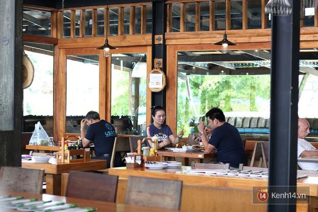 Đến Chiang Mai mà không đi ăn ở nông trại sẽ là một thiếu sót lớn đó, ca sĩ Quang Vinh và mầm non giải trí Liên Bỉnh Phát còn từng mê mệt món ăn ở đây này - Ảnh 2.