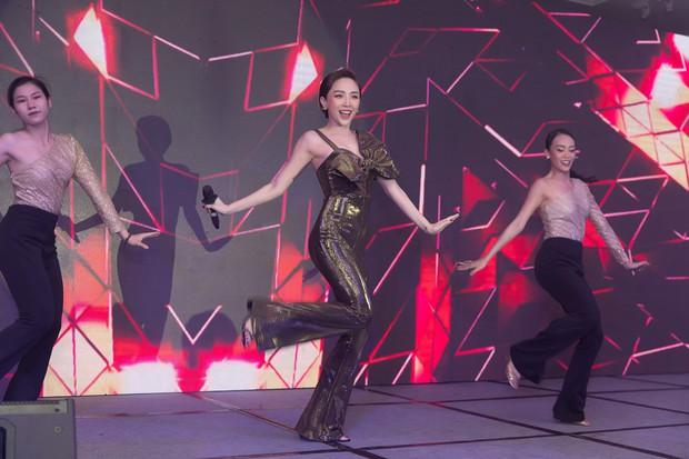 Lưu Hương Giang khoe nhan sắc hậu thừa nhận thẩm mỹ, hội ngộ dàn sao Việt đình đám tại sự kiện - Ảnh 7.